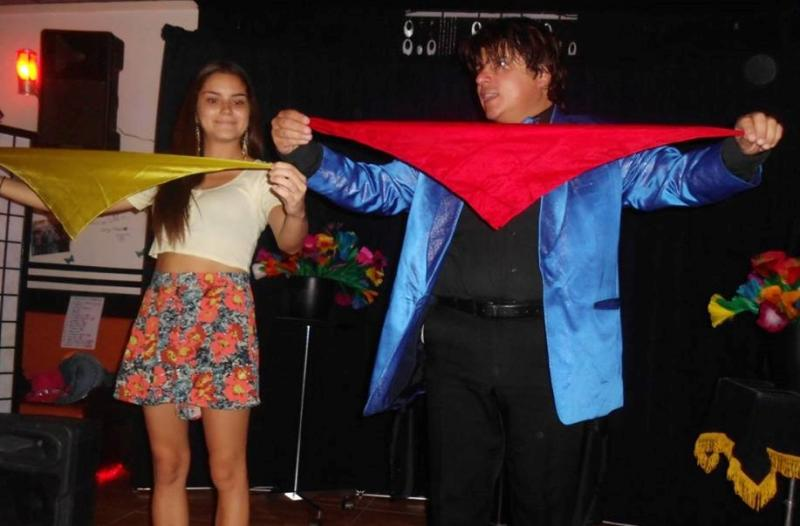 Magician Olivier Klinkenberg OK MAGICS interactive stage magic trick with spectator in Tenerife August 2015