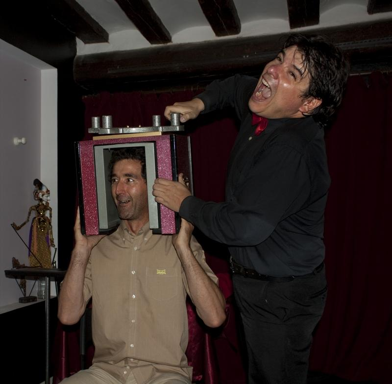 Magician Olivier OK MAGICS performing Head Twister in La Porra Pamplona Facettes Tour 2011