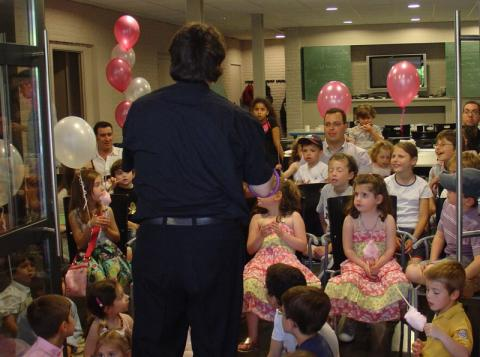Magic shows for small groups of children from 3 to 12 years old