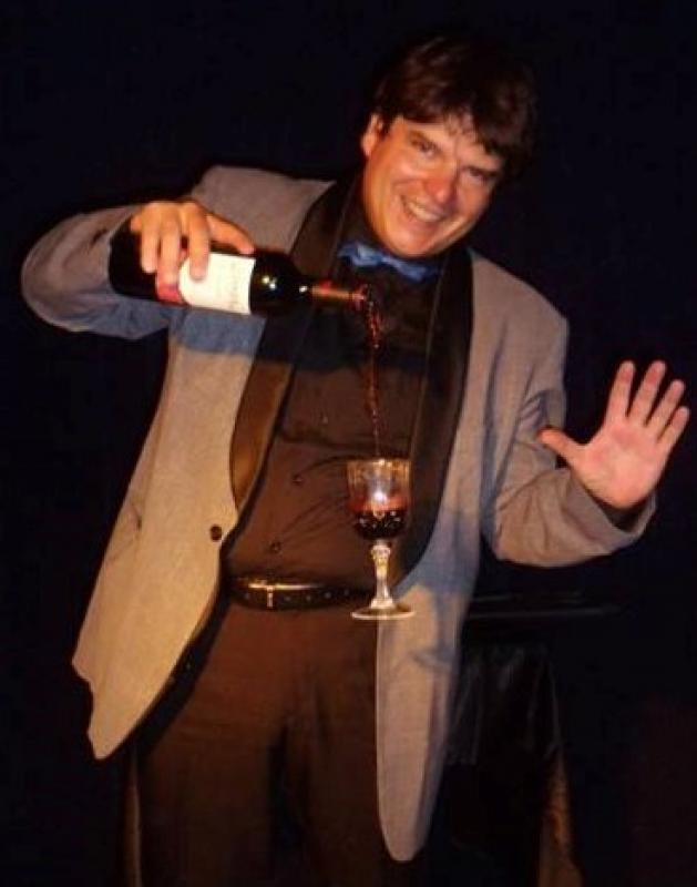 Magician Olivier Klinkenberg OK MAGICS floating wine magic trick in Tenerife Spain September 2015